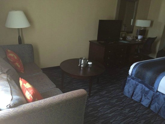 DoubleTree by Hilton Hotel Norwalk: Bed Room Standard