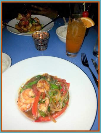 Mia Tapas Bar and Restaurant: Gra Prow Goong - Stir Fried Prawns
