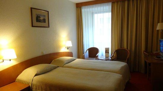 Ambassador Hotel: Chambre confortable