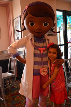 Hollywood & Vine: Doc McStuffins posing with my daughter