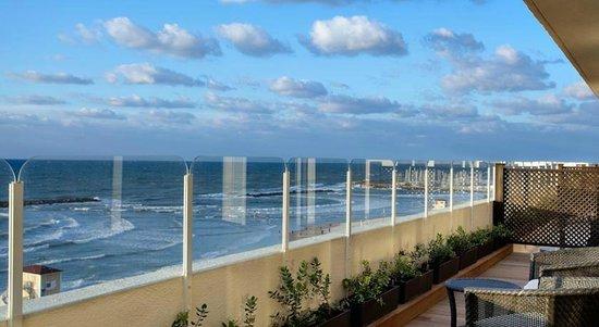 Dan Tel Aviv Hotel : Exterior