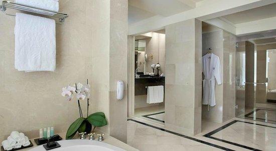 Dan Tel Aviv Hotel : Bathroom