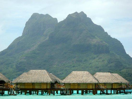 Bora Bora Pearl Beach Resort & Spa: view from the beach area