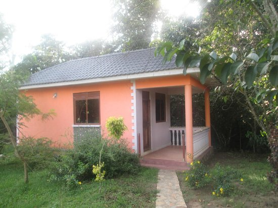 Kasenge Forest Resort Beach: The Self Contained Cottages