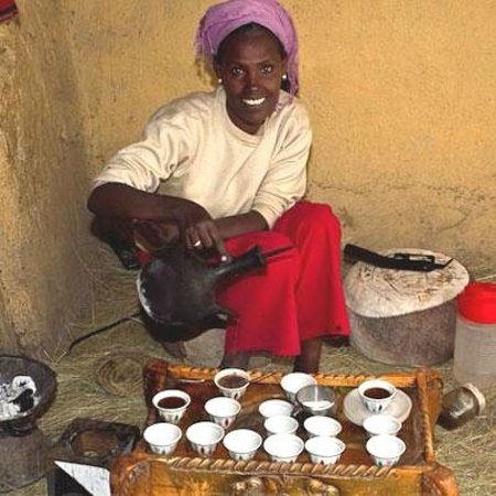 Addis Abeba, Ethiopië: Ethiopian traditional coffee ceremony