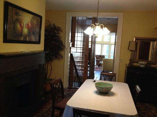 Savannah Bed & Breakfast Inn: Dining room - Connor House