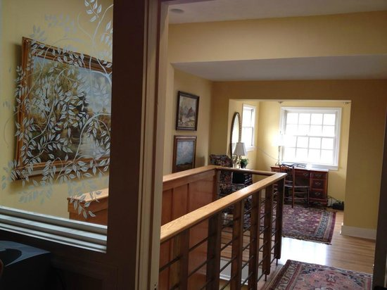 Savannah Bed & Breakfast Inn : Business/reading nook  - Connor House