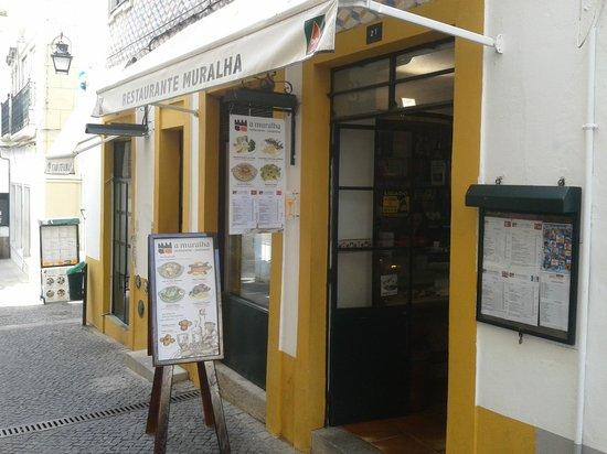 Restaurante A Muralha : entrada restaurante