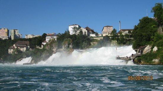 Rheinfall : Жильё с видом на водопад