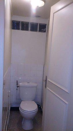 Hotel Restaurant du Pont Napoleon : WC