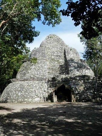 Ruines de Cobá : La piramide
