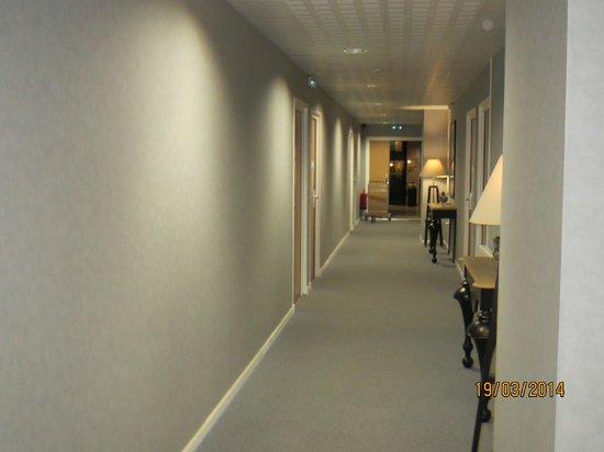 Hotel de la Baie de Wissant : couloir de l hotel