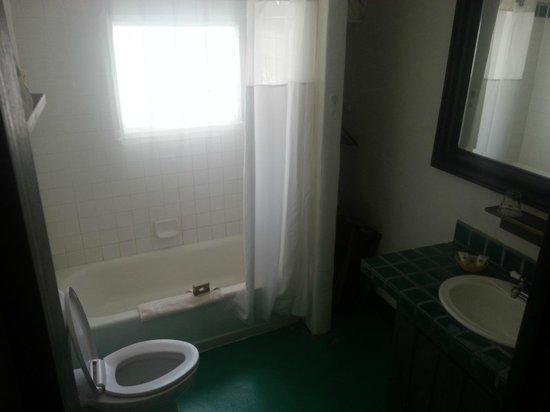 Las Palomas Inn Santa Fe: Bathroom