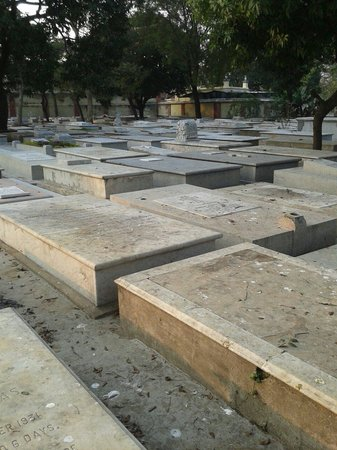 South Park Street Cemetery: A view of the Armenian graves
