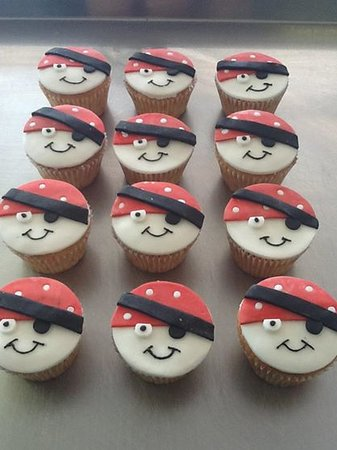 Branwells Mill Meadery: Pirate cupcakes