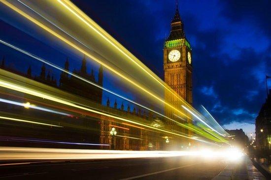 Houses of Parliament: Torre do Big Ben à noite
