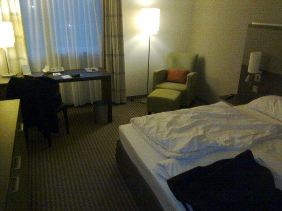 Mercure Airport Hotel Berlin Tegel: Blick ins Zimmer