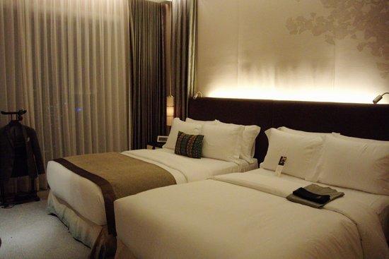 The St. Regis Osaka : Deluxe Room / Room 2505