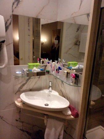 Lucca in Azzurro : bathroom