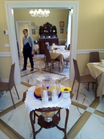 Lucca in Azzurro : breakfast room
