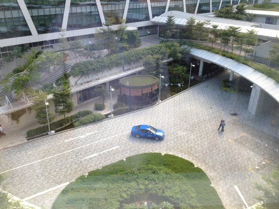 Capri by Fraser Changi City : View from room over the courtyard
