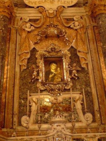 Basilica Cattedrale Maria Santissima della Madia: La Madonna della Madia