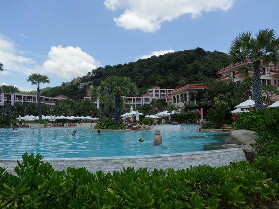 Centara Grand Beach Resort Phuket: main pool