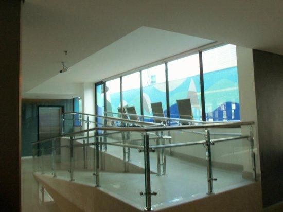 Novotel Salvador Hangar Aero : piscina - entrada