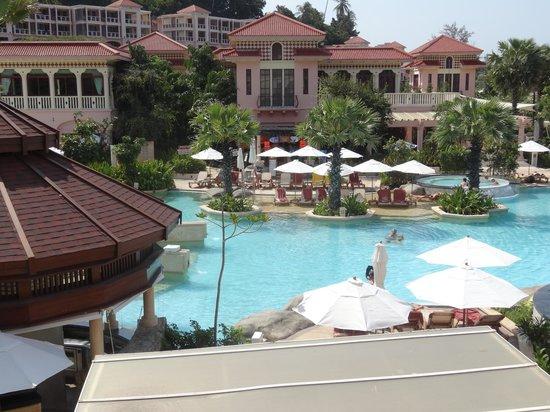 Centara Grand Beach Resort Phuket: beautiful main pool