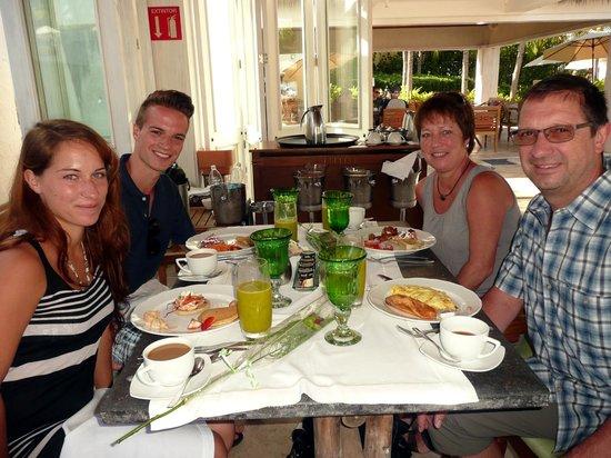 The St. Regis Punta Mita Resort : Breakfast at Las Marietas