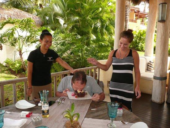 The St. Regis Punta Mita Resort : My dad and his cake =D