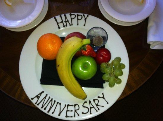 Macdonald Hotels: Fruit platter free for anniversary