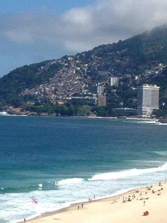 Sofitel Rio de Janeiro Ipanema: View over favela (zoomed in).