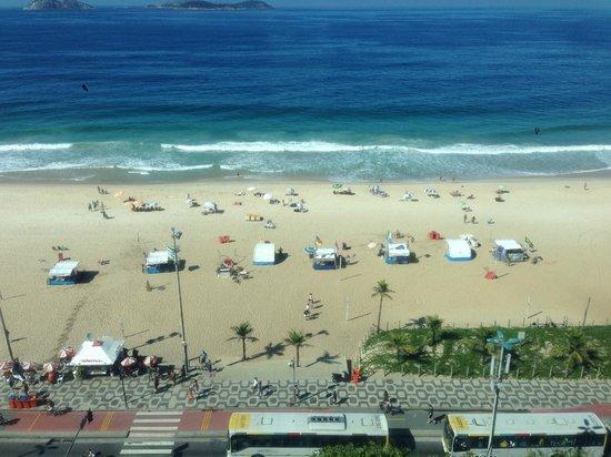 Caesar Park Rio de Janeiro Ipanema Managed by Sofitel: View over beach