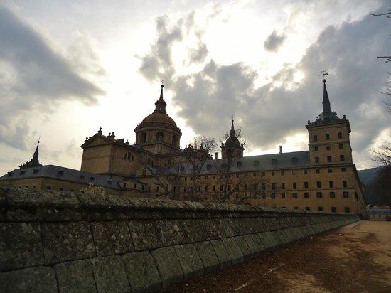 Monasterio y Sitio de San Lorenzo de El Escorial: vista de el escorial