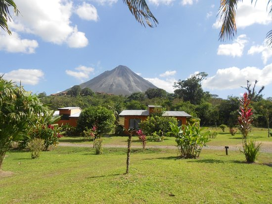 Erupciones Inn Bed And Breakfast: Spectacular Arenal Volcano view and Superior rooms