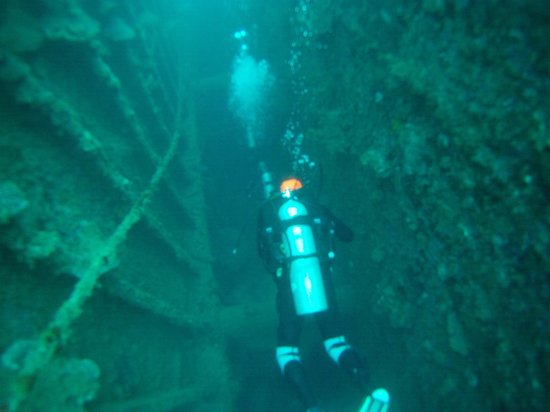 Allan Power Dive Tours : SS Coolidge