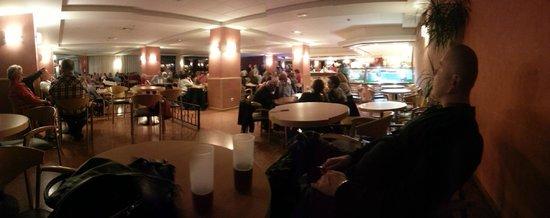 Hotel Samba: entertainment area................generous photos and editing