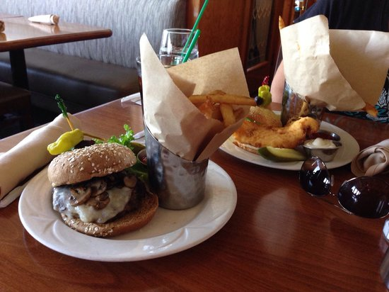 Crow's Nest Marina Restaurant & Tavern: BBB Burger and Fish Sandwich.