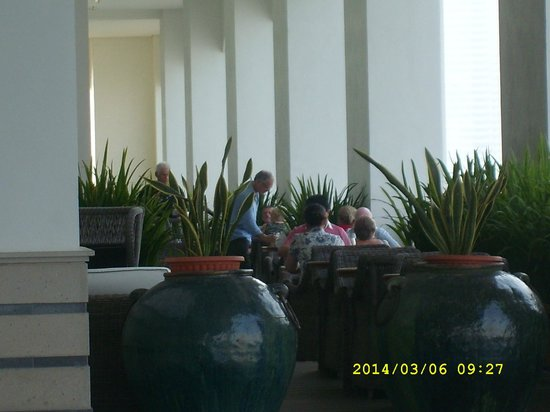 Eastern & Oriental Hotel: Outside space for relaxing and dining