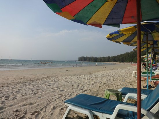Ideo Phuket Guesthouse: Strand