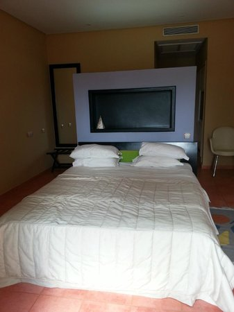 SENTIDO Phenicia: Loved the room but not the Ants
