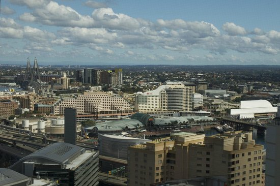 Meriton Serviced Apartments Kent Street: Darling Harbor view from room.