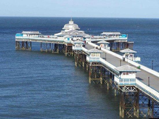 Rosedene Hotel: Llandudno Pier