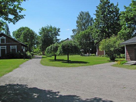 The Finnish Railway Museum: Garden