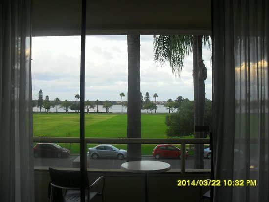 Swan River : view of River from Bedroom