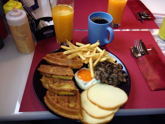 Dillon's Coffee & Fast Food: Brunch