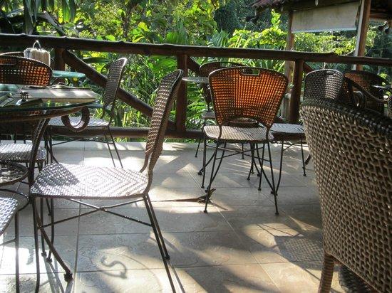 Hotel Pumilio: Terraza del desayuno