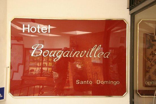 Hotel Bougainvillea: Entrance to the hotel
