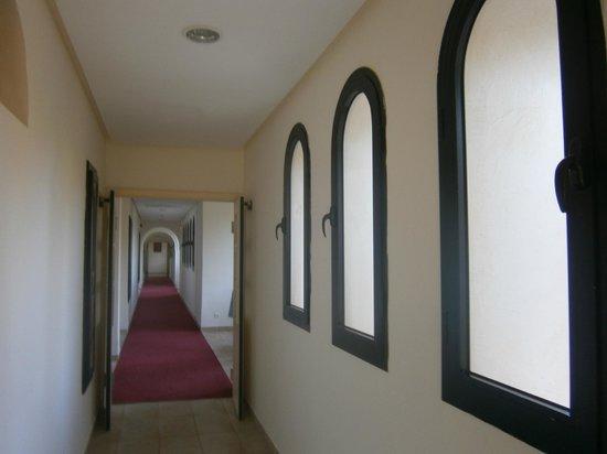 SENTIDO Djerba Beach : Couloir chambre annexe